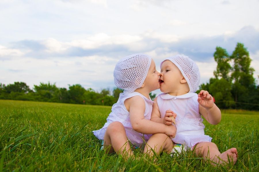Cute Twin Babies Wallpapers | HD Wallpapers