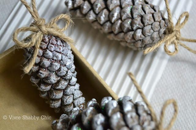 Vivre shabby chic calendario dell 39 avvento progetto - Decorazioni natalizie pigne ...