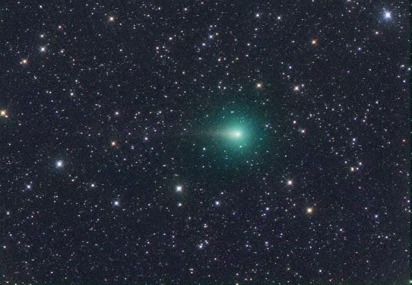 Komet C/2014 E2 Jacques Mendekati Matahari Malam Ini