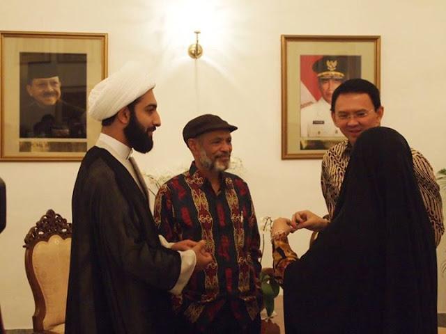 Gubernur Ahok Foto Bersama Tokoh Rafidhah, Pertanda Pemerintah Buta akan Syiah