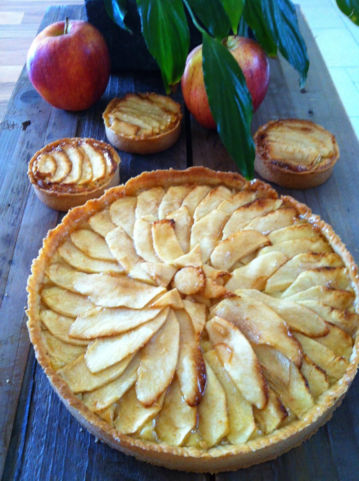 """alt=""""tarte aux pommes frangipane"""""""