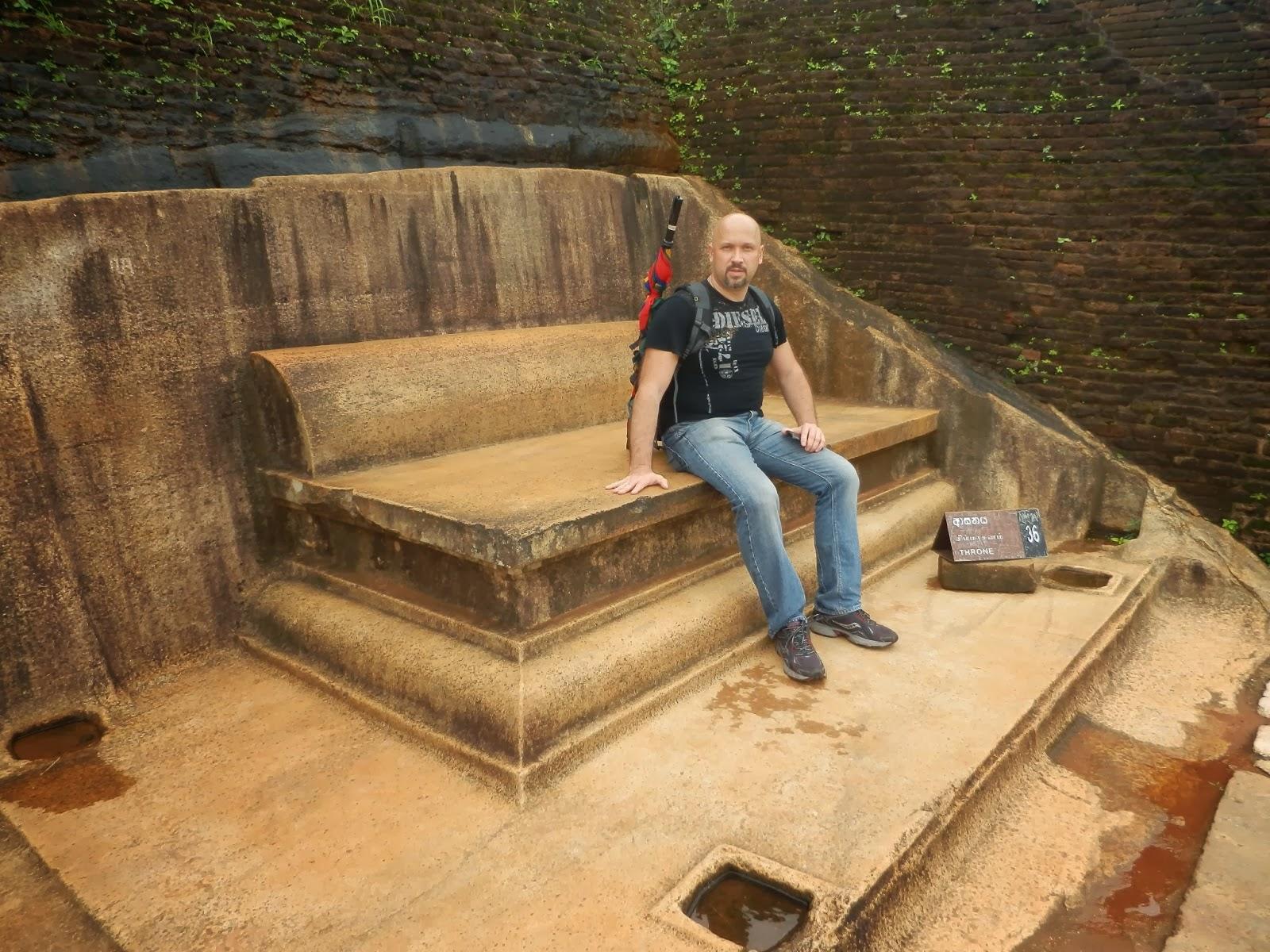 Каменный трон короля на вершине Сигирии, целиком вырезанный в граните скалы, садовая скамейка на самом деле Каменный трон короля на вершине Сигирии, целиком вырезанный в граните скалы, садовая скамейка на самом деле Каменный трон короля на вершине Сигирии, целиком вырезанный в граните скалы, садовая скамейка на самом деле Каменный трон короля на вершине Сигирии, целиком вырезанный в граните скалы, садовая скамейка на самом деле Каменный трон короля на вершине Сигирии, целиком вырезанный в граните скалы, садовая скамейка на самом деле Каменный трон короля на вершине Сигирии, целиком вырезанный в граните скалы, садовая скамейка на самом деле Каменный трон короля на вершине Сигирии, целиком вырезанный в граните скалы, садовая скамейка на самом деле Каменный трон короля на вершине Сигирии, целиком вырезанный в граните скалы, садовая скамейка на самом деле Каменный трон короля на вершине Сигирии, целиком вырезанный в граните скалы, садовая скамейка на самом деле
