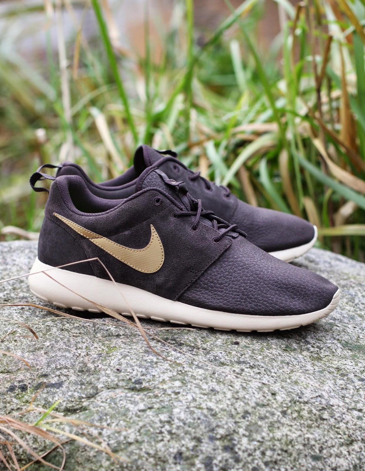 http://www.footish.se/sneakers/nike-rosherun-suede