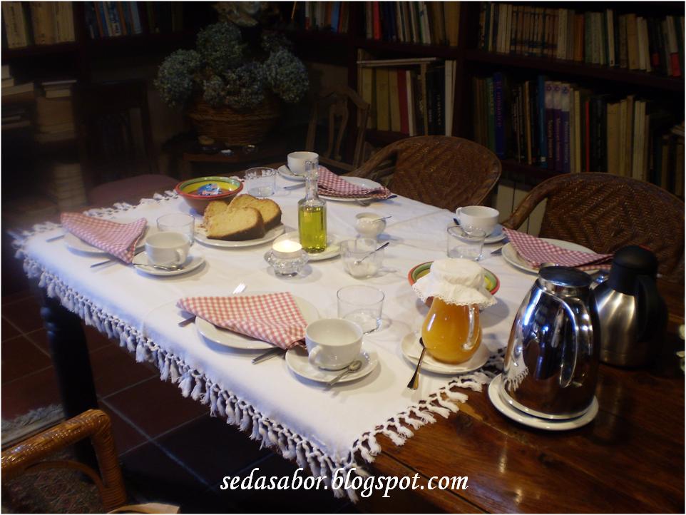 Desayuno con encanto bizcocho 3 2 1 for Mesa desayuno