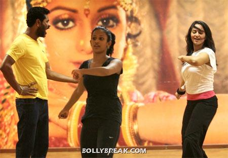 Sonakshi Sinha rehearsing for dance number - (2) - Sonakshi Sinha Dance rehearsel Pics