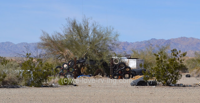 Creative use of rubber tires on entrance to a trailer home