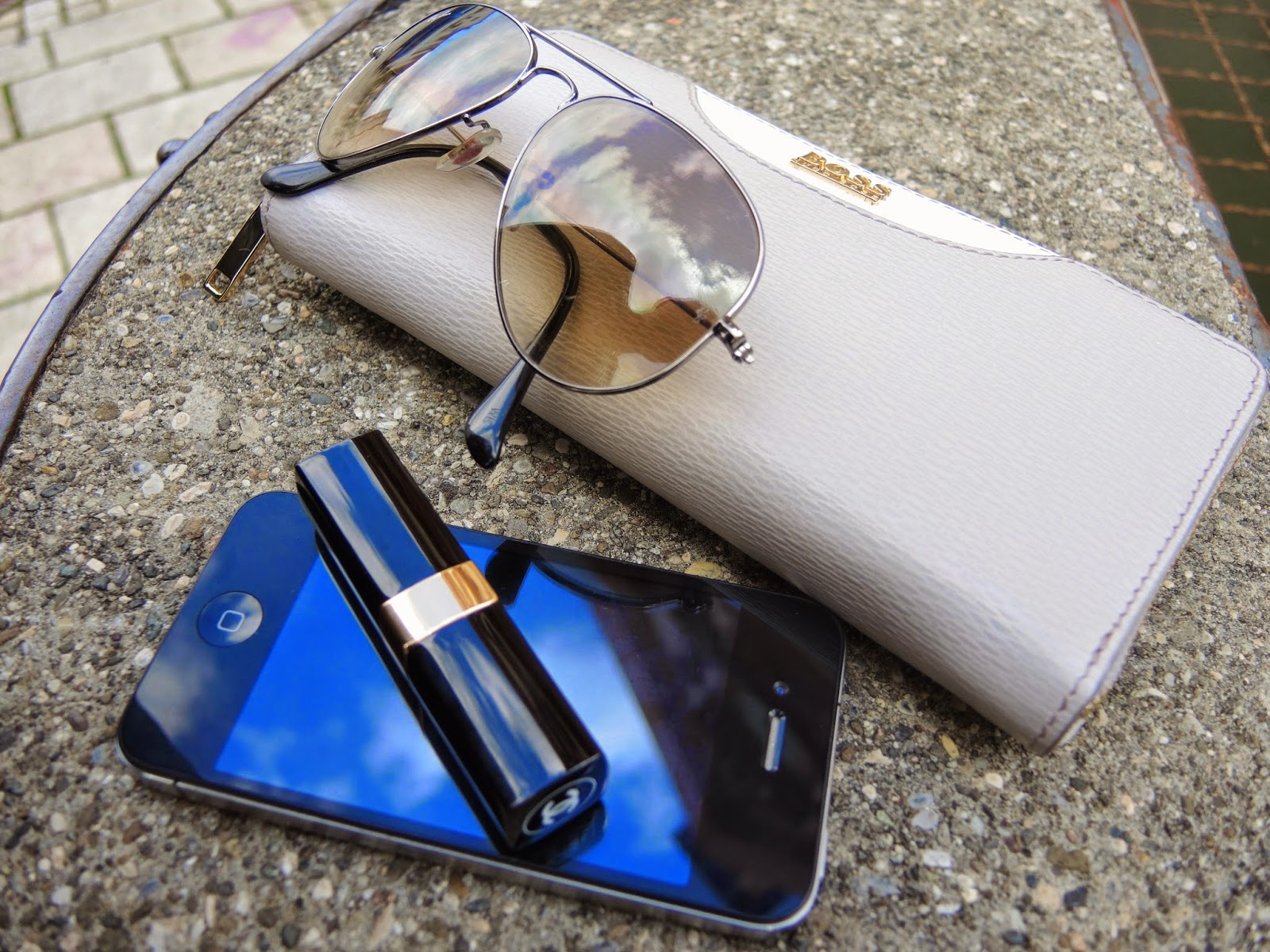 Boss, Ray Ban , Chanel Iphone