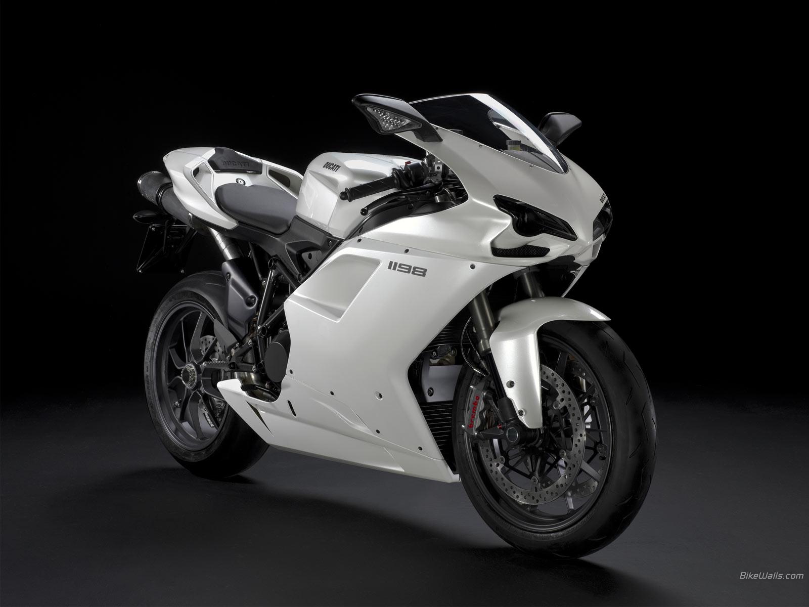 http://3.bp.blogspot.com/-aImLaqg-JsI/Tre3W-4t3GI/AAAAAAAAA_I/vy3VeWTmm74/s1600/Boyracers+Blog+Ducati+1198+wallpaper+HD.jpeg