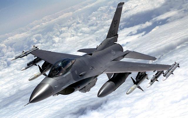 Gambar Pesawat Tempur F-16 Fighting Falcon 01
