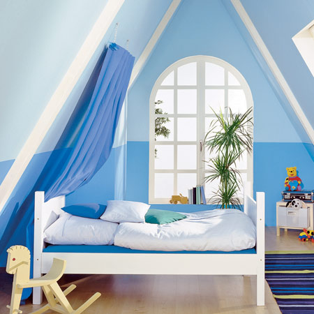 14 practical living ideas for your attic inspire your home. Black Bedroom Furniture Sets. Home Design Ideas