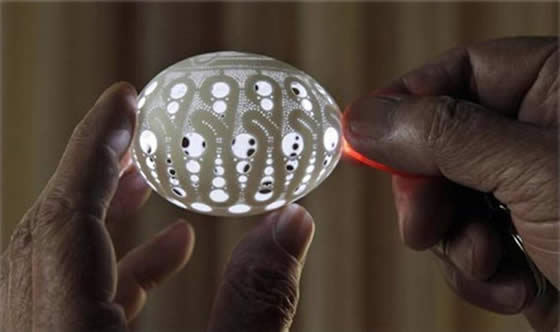 Esculturas em casca de ovo por Alexandre Volk