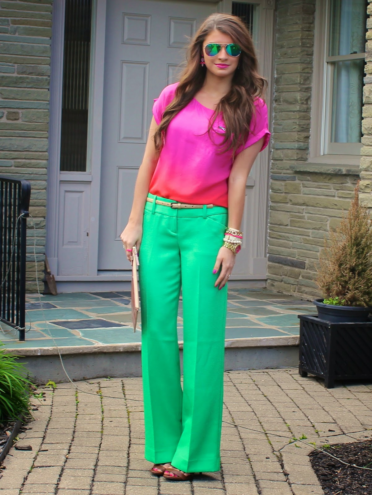 What Colour Goes With Green Pants