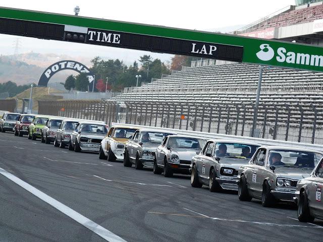 Nissan Skyline GT-R KPGC10 Hakosuka, Fairlady Z S30, kultowe klasyki, samochody z duszą, stare sportowe auta, dawna motoryzacja, oldschool, wyścigi, sport, JDM