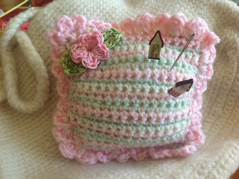 Free Crochet Sweet Little Pincushion Pattern