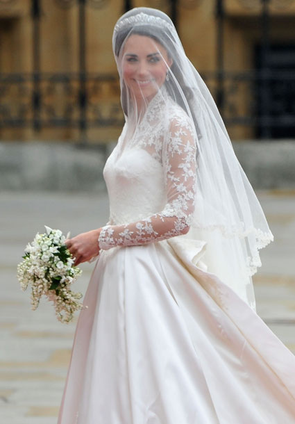 Princess kate and william 39 s royal wedding pictures for Wedding dress princess kate