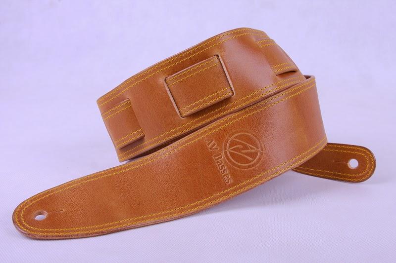 http://3.bp.blogspot.com/-aJuF3KsiVO0/U2lNvK_nuPI/AAAAAAAAEN8/QoJGJFb0ChU/s1600/AV+Basses+Leather+strap+Brown_Gold.jpg