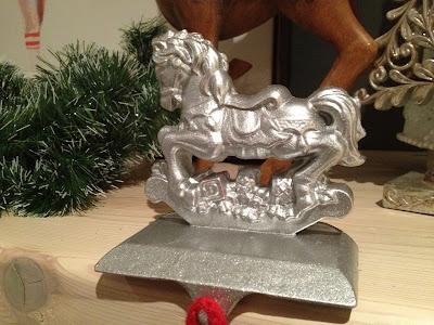Using Paint to Make Holiday Decorations Come Together | ZenShmen | zenshmen.blogspot.ca