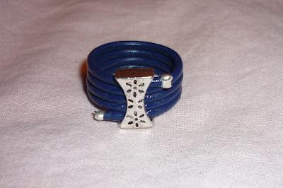 anillo cuero