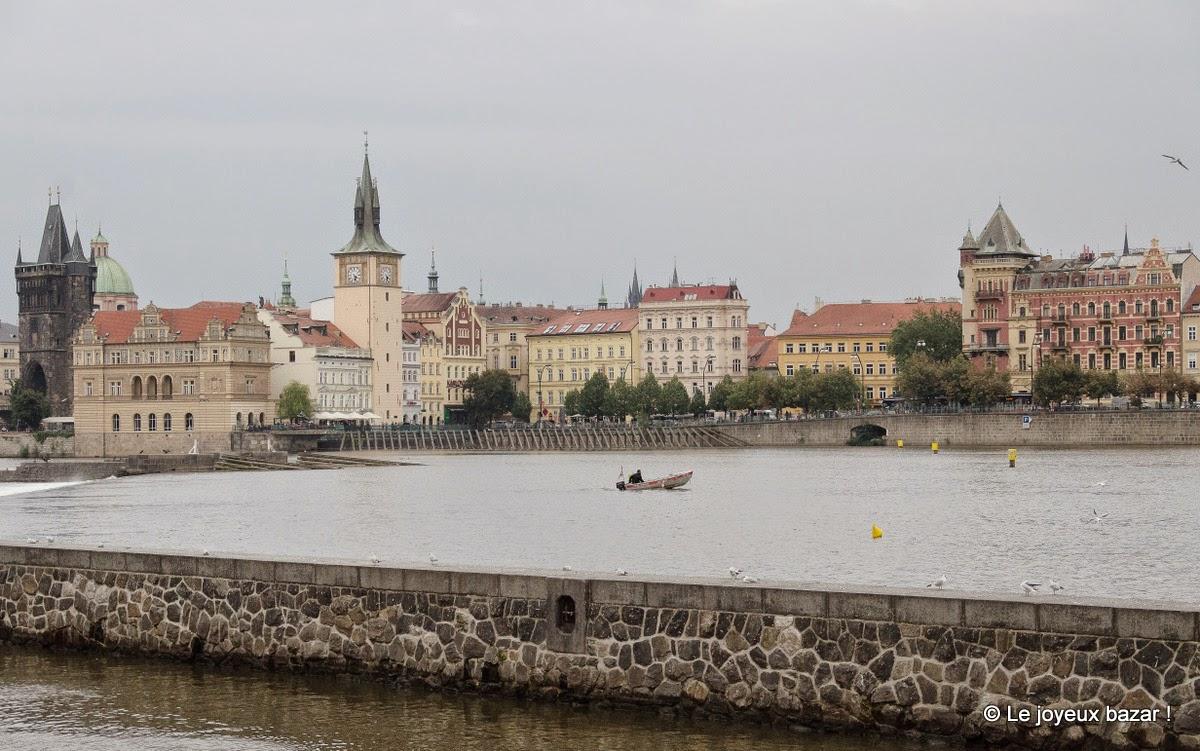 Vue sur Prague depuis l'île Kampaaa
