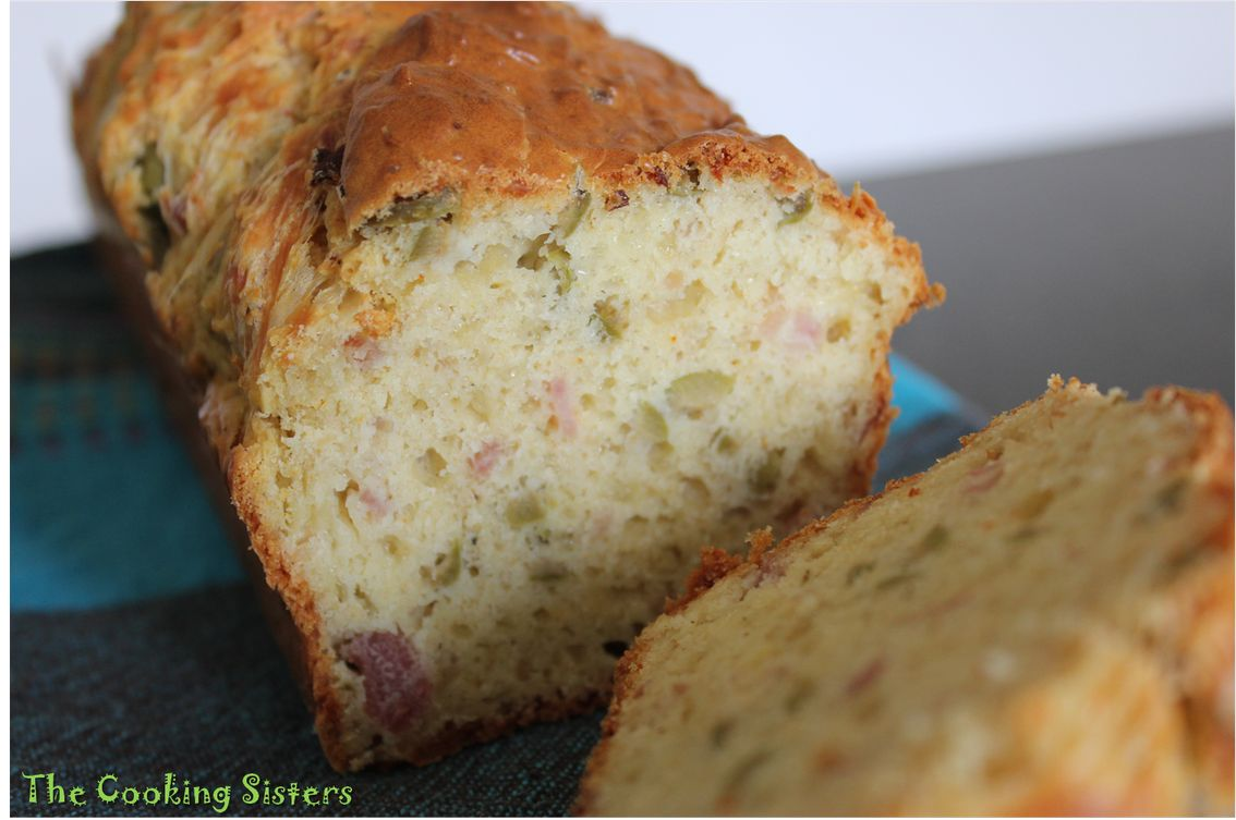 Cake jambon olives fromage - Recette cake au jambon olive ...