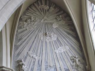 Olho que tudo vê, Igreja Católica Bruxelas Bégica