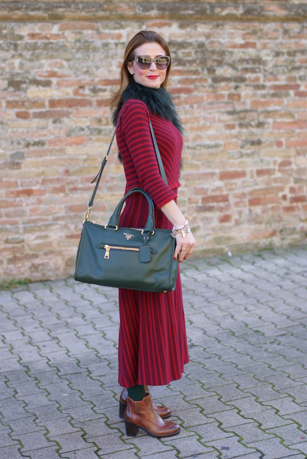 Vintage style outfit with Made in Italy fashion, Rose a Pois dress and Prada bag on Fashion and Cookies fashion blog, fashion blogger style