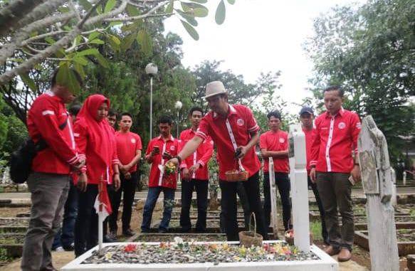 HUT Ke-4 DAG Dirayakan, Pengurus Tabur Bunga di Makam Pahlawan