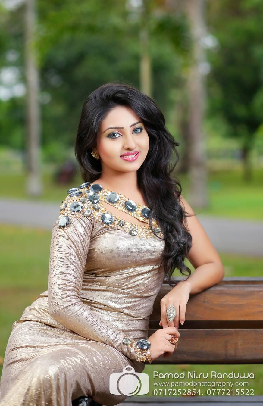 Piyumi   Sri Lankan Hot Model   SL Sexy girl - Sri Lanka
