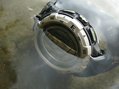 часы Timex Expedition Adventure - водонепроницаемость