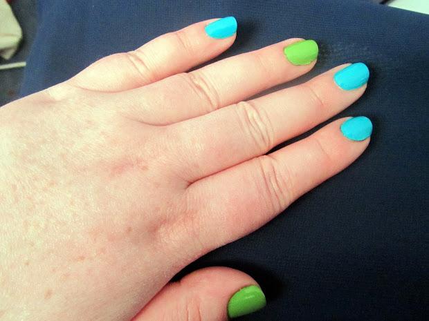 teal and green nails polka spots