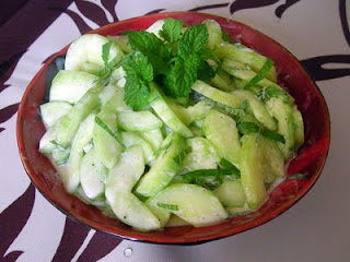 Salade de concombres à la menthe