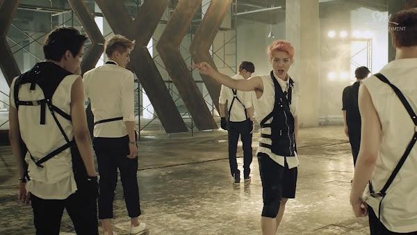 EXO Growl Luhan