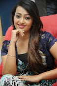 Ester Noronha Photos-thumbnail-6