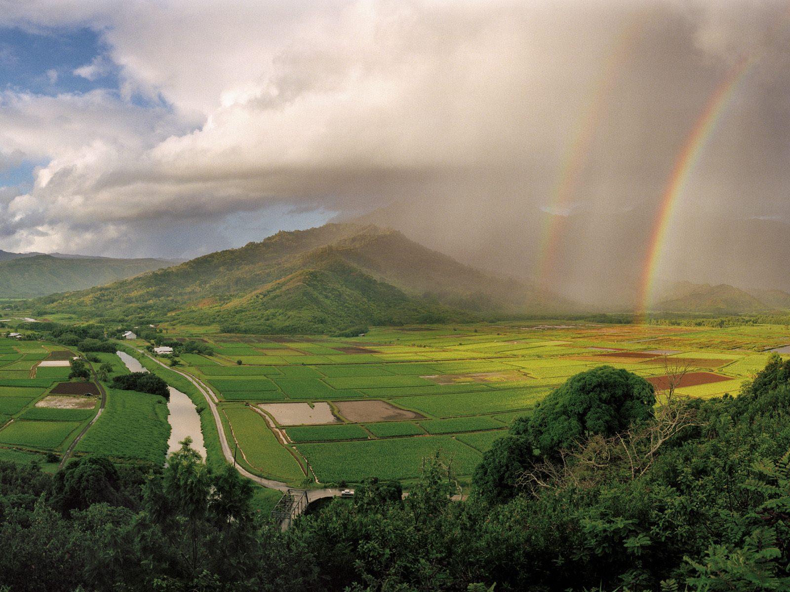 http://3.bp.blogspot.com/-aLj_e0pERqg/Td4WbfoUY2I/AAAAAAAAAvs/43TH1vMSjMo/s1600/Hanalei-River-Valley-Kauai-Hawaii-1-1600x1200.jpg