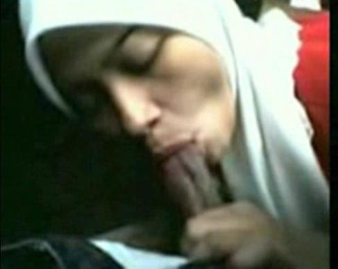 kumpulan tante jilbab biadab pamer toket   foto memek