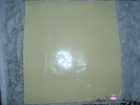 Lacitos de Hojaldre y Miel-lámina de hojaldre con condensada