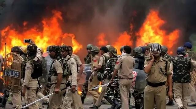 Σφαγή στην Ινδία για την καταδίκη γκουρού για βιασμό – 29 νεκροί και 200 τραυματίες (βίντεο)