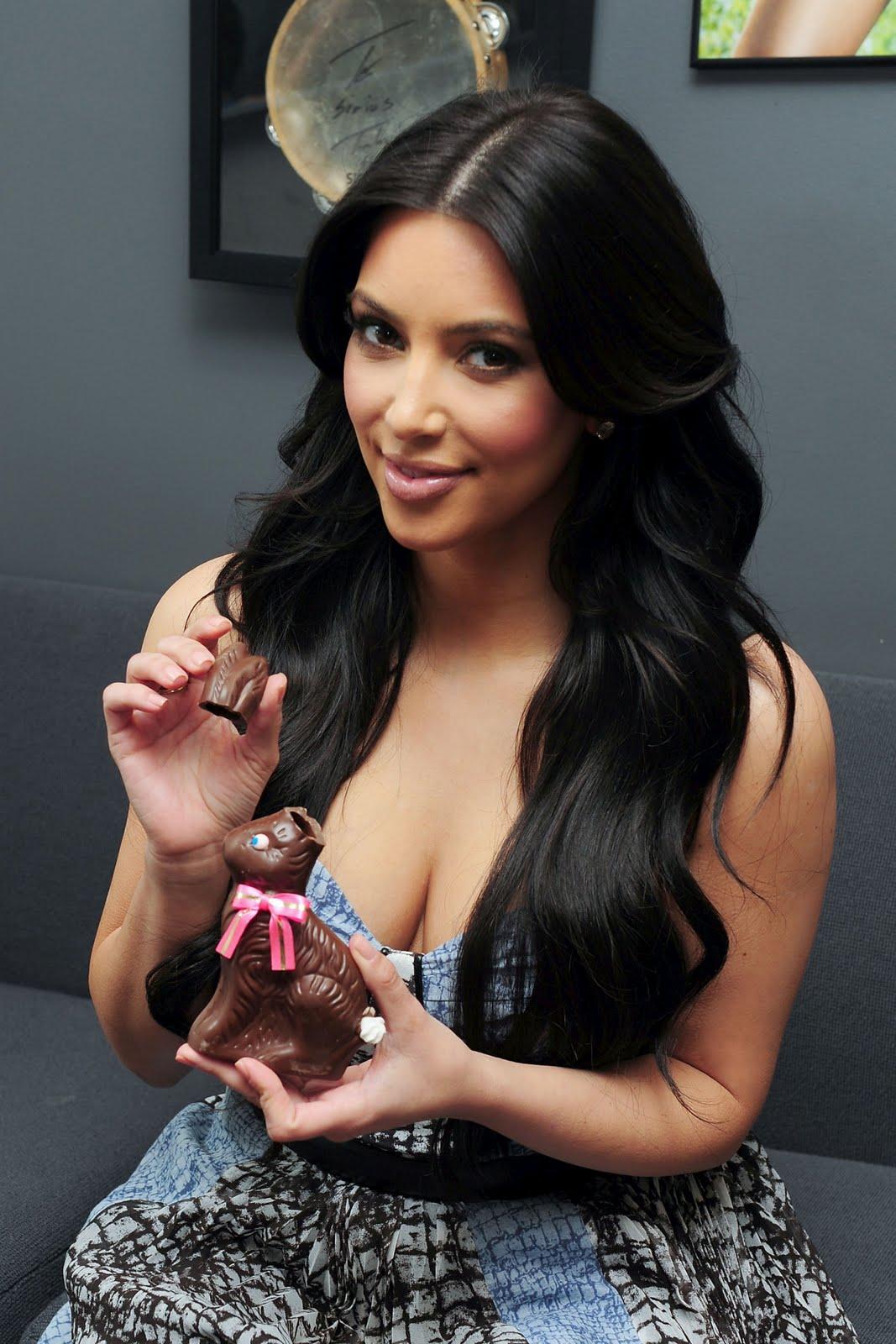 http://3.bp.blogspot.com/-aMa9NwtBwMU/Ta2DB1hxAlI/AAAAAAAAC5Q/I5Dh0zfQZIE/s1600/Kim-Kardashian-39.jpg