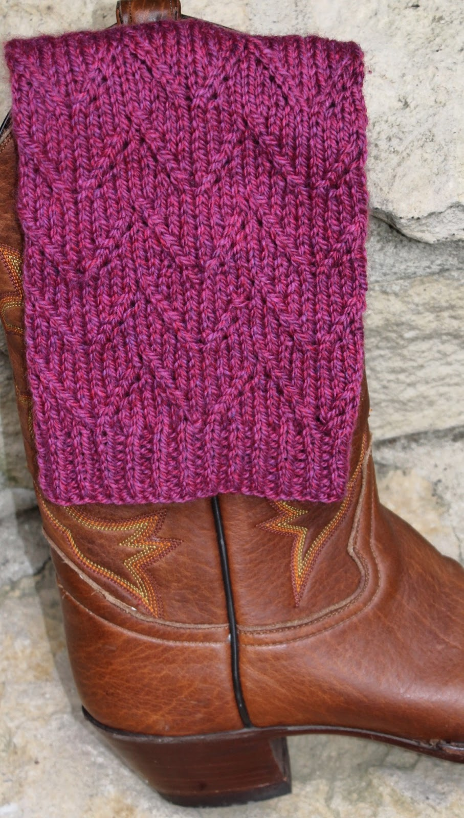 I knit she purrs free chevron lace boot topper pattern free chevron lace boot topper pattern bankloansurffo Gallery