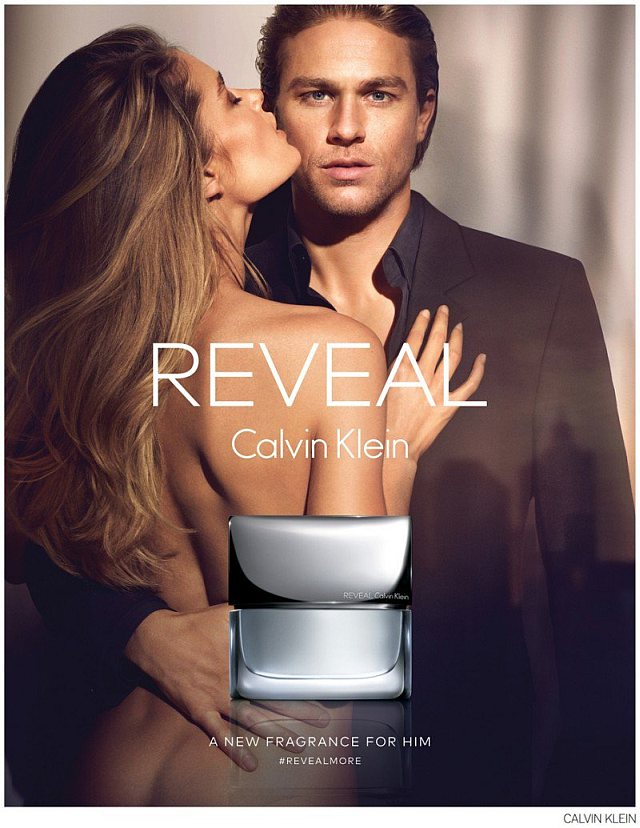 Charlie Hunnam w kampanii Reveal Men