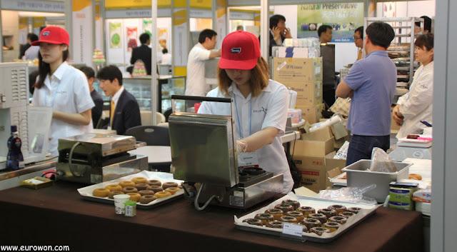 Haciendo donuts en Corea