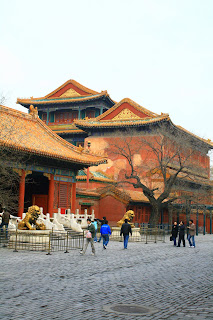 Traditional temples contend for architectural attention in Beijing