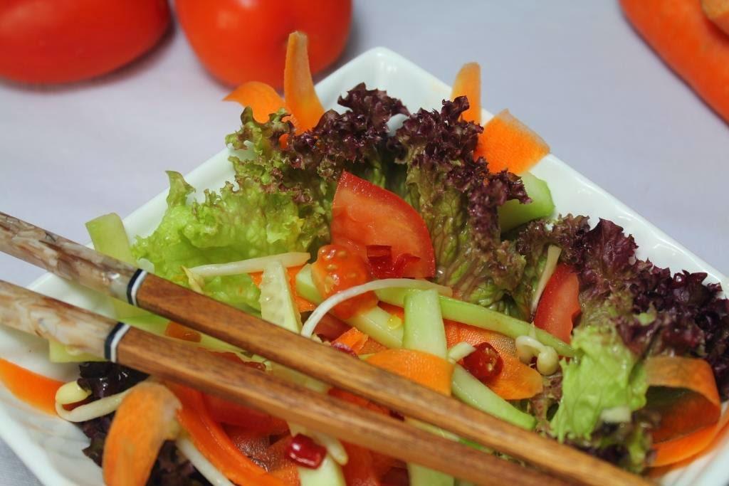 Ensalada tricolor con salsa vietnamita - El dulce mundo de Nerea