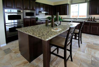 Decoración y afinidades: cocinas modernas con mesa