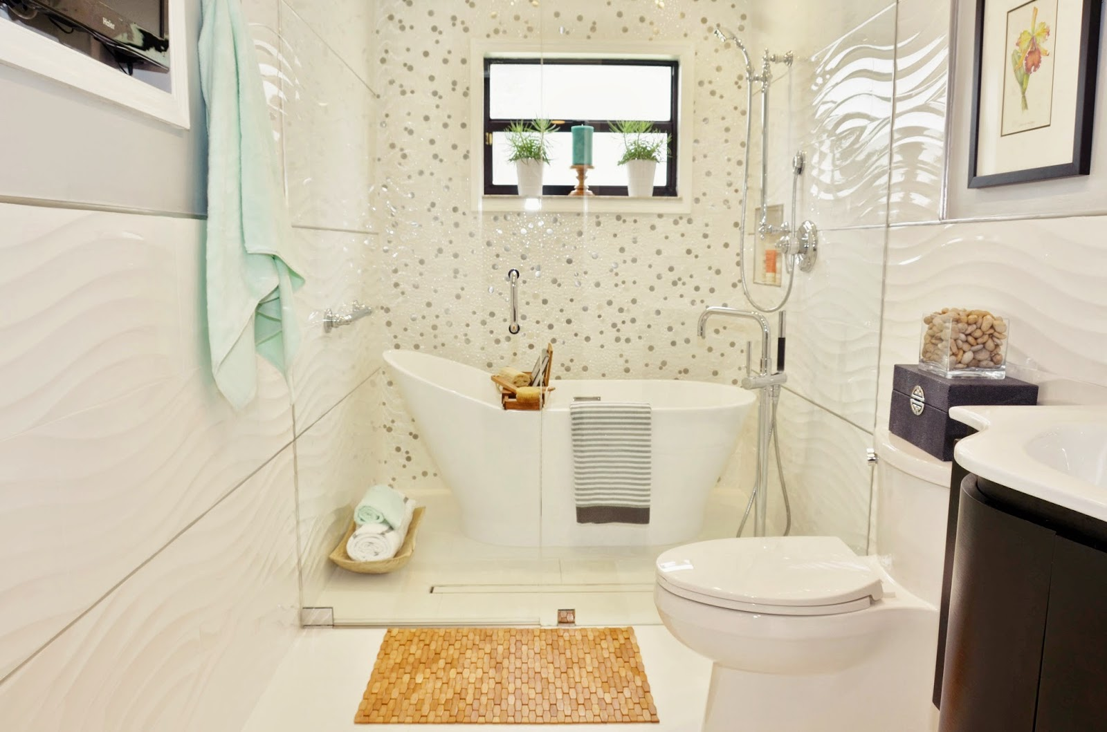 Live Laugh Decorate: A Vintage Tub + Modern Shower = A Swanky New ...