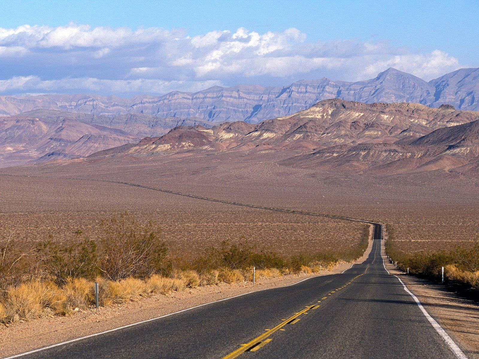 http://3.bp.blogspot.com/-aNuTwNmEPQw/TwHIwPIaZXI/AAAAAAAAGR8/Xo_3FfzlJ7Q/s1600/long_road_wallpaper.jpg