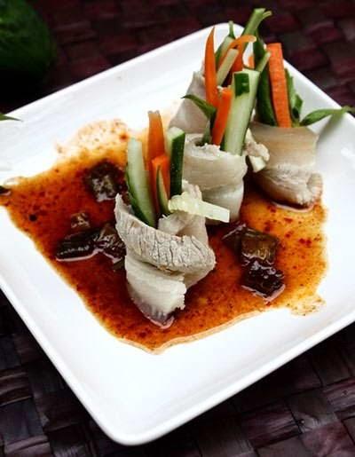 Vietnamese Food - Thịt Heo Cuộn Rau Củ và Sốt Me