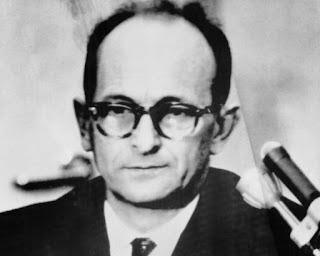 Mulher do nazista Eichmann visitou marido preso em Israel