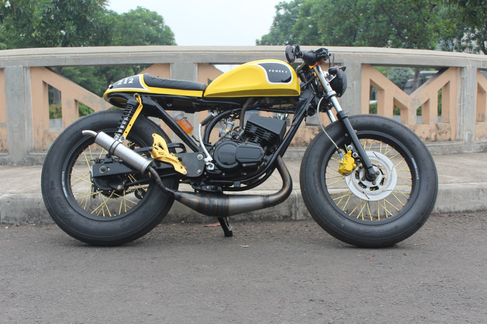 ide modifikasi motor rx king cafe racer