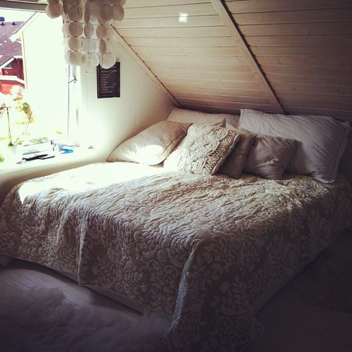 Moon To Moon: Calm, Relaxing Bedrooms